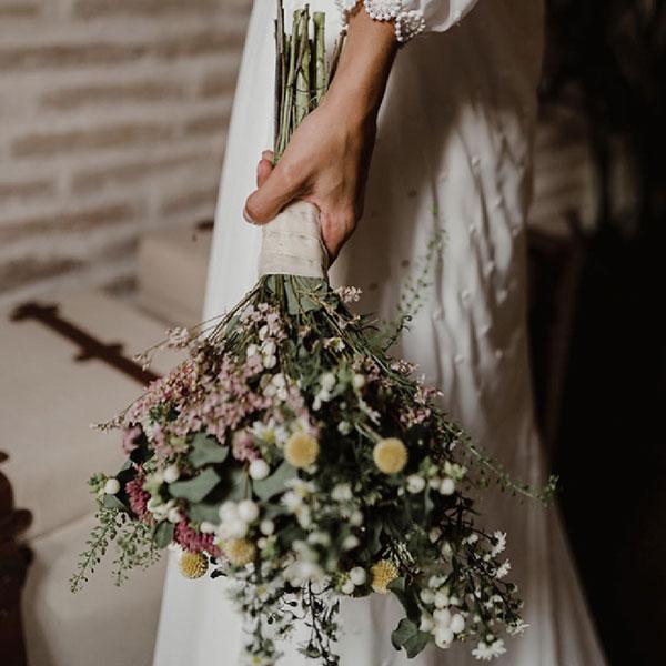 Ramo de novia flores silvestres Oasis Floristas