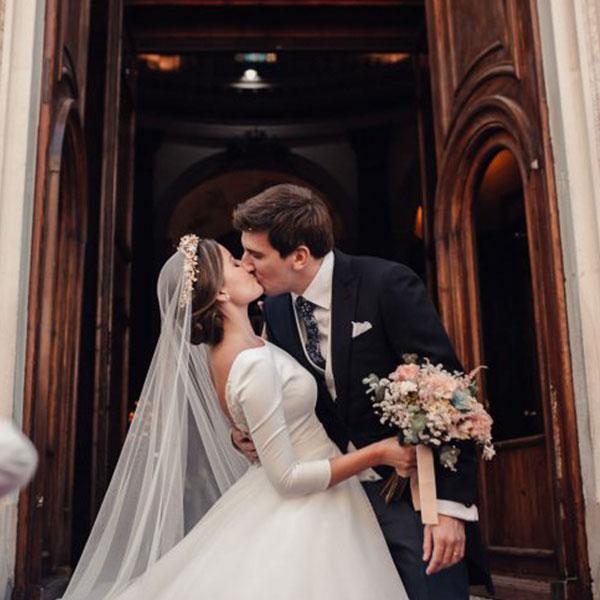 Ramos de novia románticos Oasis Floristas