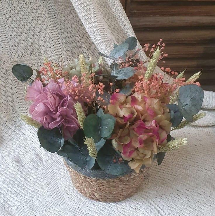 Enviar cesto de flores preservadas a domicilio en Cartagena